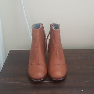 Toms Lunata Brown Leather Ankle Bootie Size 7